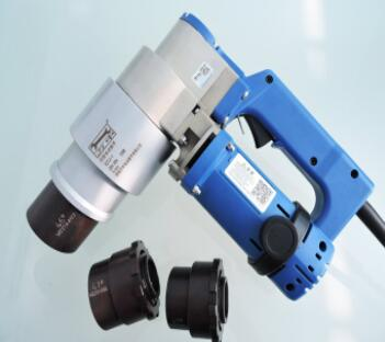 大家知道扭矩扳手校准器的操作方法吗?